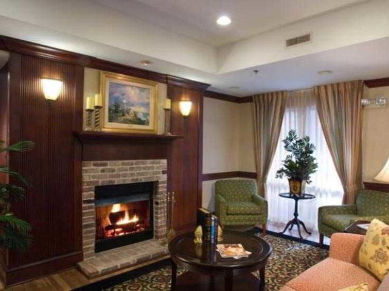 Fairfield Inn and Suites by Marriott Atlanta Buckhead Lounge/Empfang