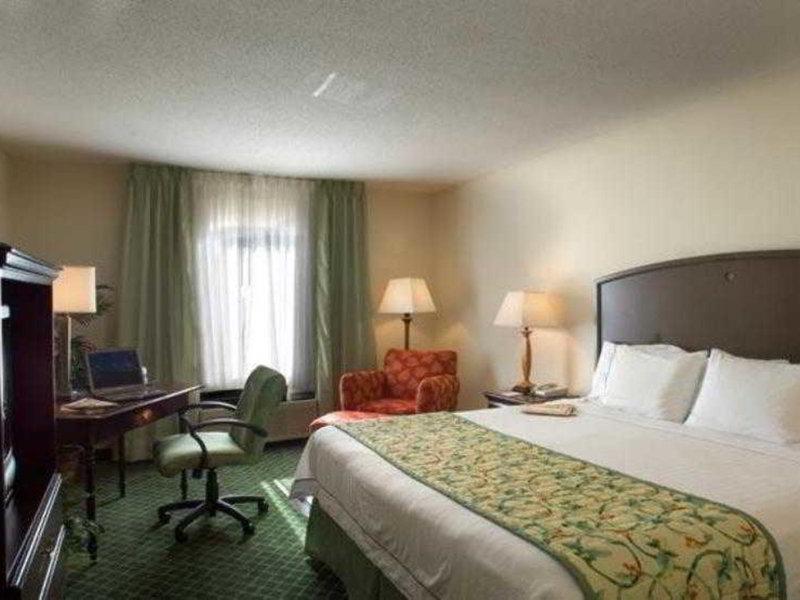 Fairfield Inn and Suites by Marriott Atlanta Buckhead Wohnbeispiel