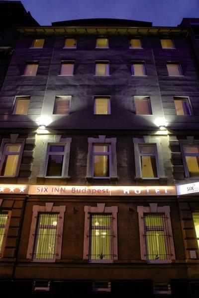 Six Inn Hotel Budapest Außenaufnahme