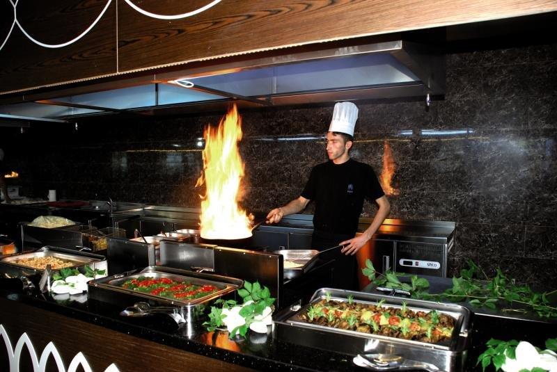 Maya World Hotel Restaurant