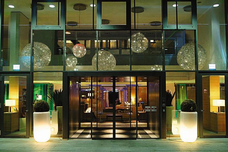 H+ Hotel Zürich Lounge/Empfang