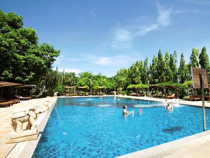 Pinnacle Grand Jomtien Resort & SpaPool