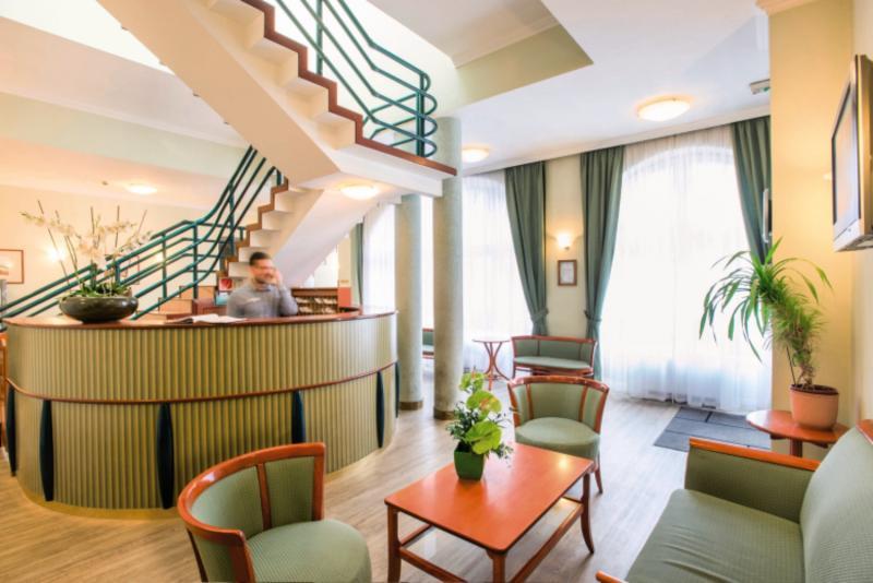 Baross City Hotel Lounge/Empfang