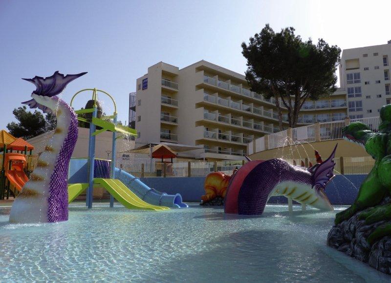 AluaSun Torrenova Pool