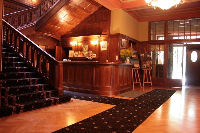 Schloss Paulinum Bar