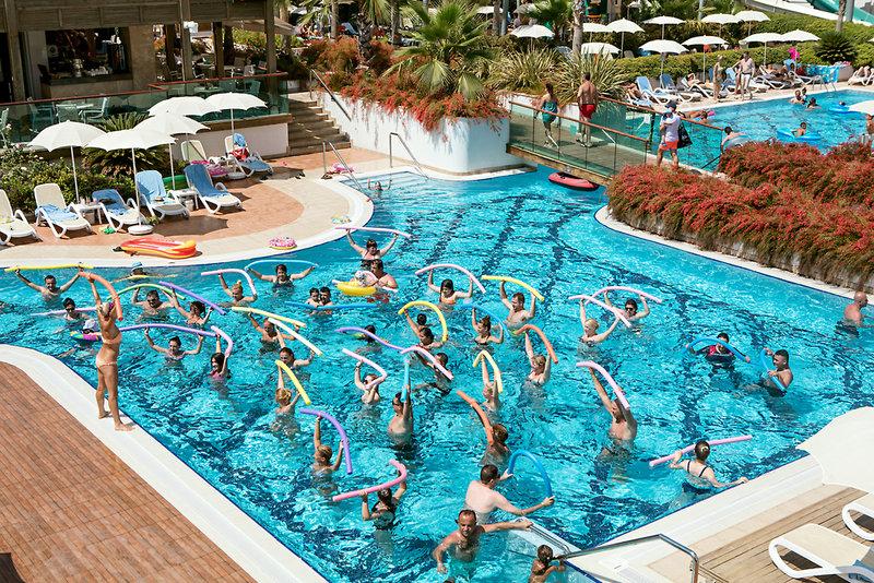 Trendy Verbena Beach Pool