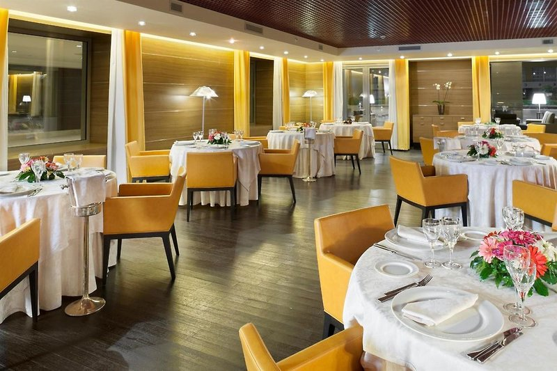 Golden Tulip Plaza Caserta Restaurant