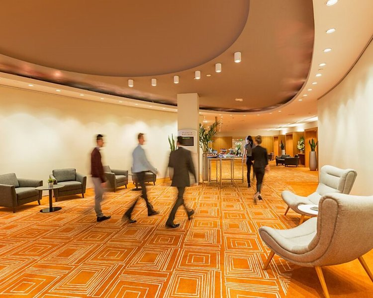 PARKROYAL Melbourne Airport  Lounge/Empfang