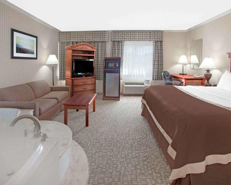 Baymont Inn & Suites Jackson Wellness