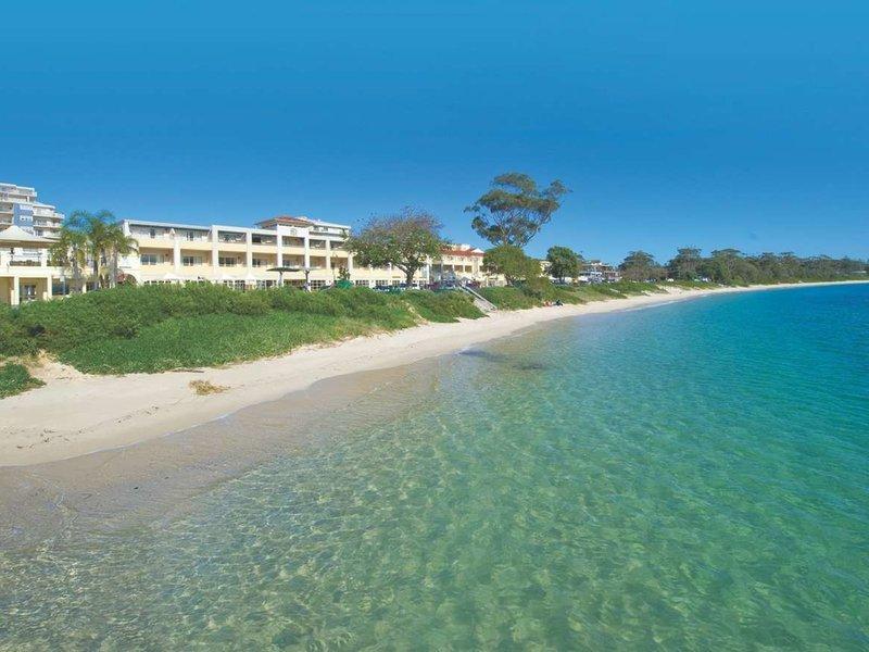 Ramada Shoal Bay Resort & Spa Strand