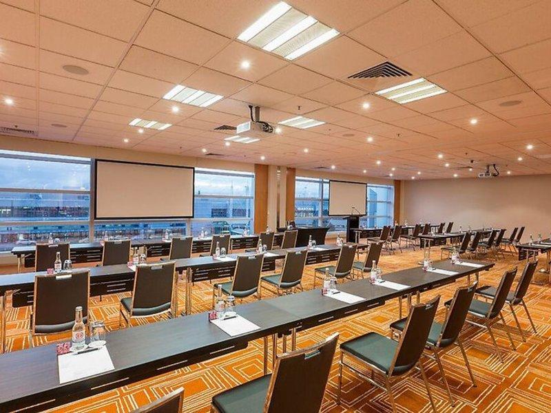 PARKROYAL Melbourne Airport  Konferenzraum