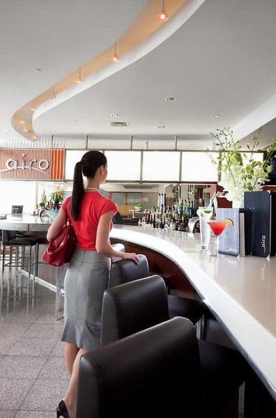 PARKROYAL Melbourne Airport  Bar
