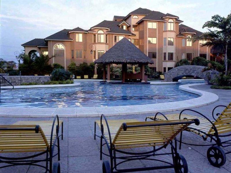 Buganvillas Suites & Spa Pool