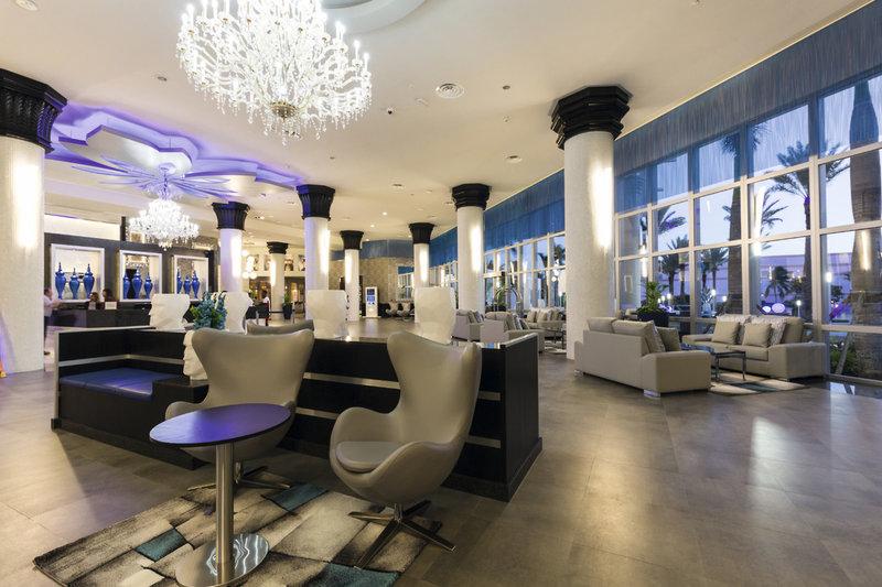 Riu Palace Paradise Island Bar