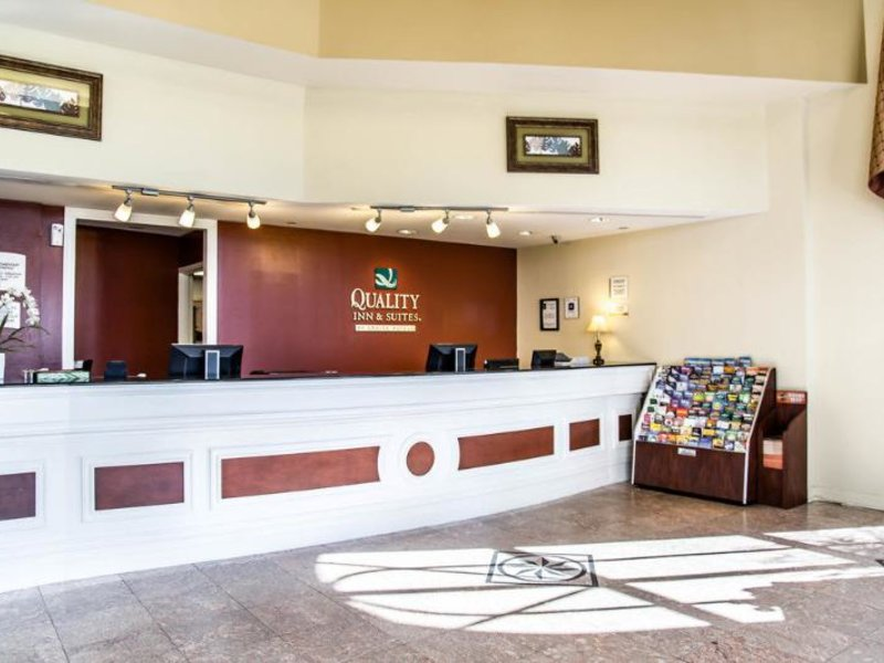 Quality Inn & Suites Heritage Park Lounge/Empfang