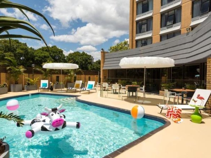 Rydges Atura Albury Pool