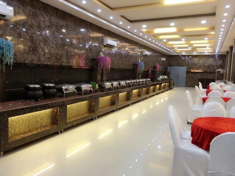 Signature Grand Bar