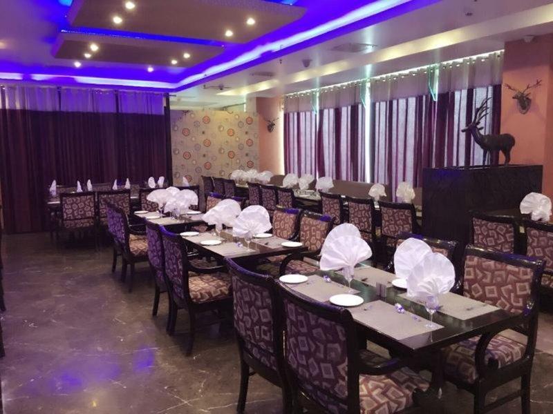 Signature Grand Restaurant