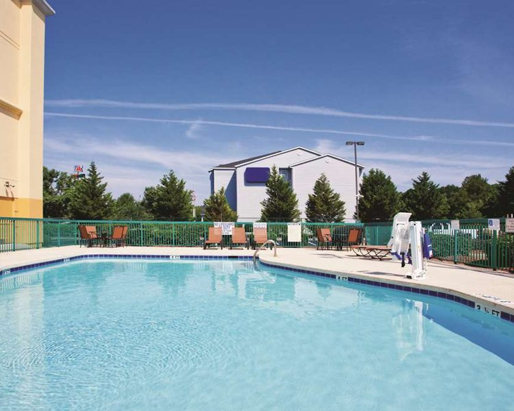 La Quinta Inn & Suites Florence Pool