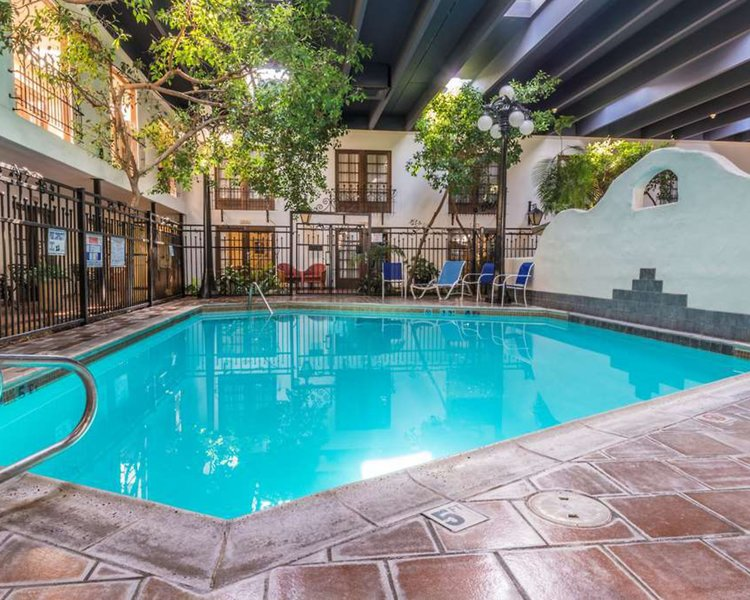 Ramada Las Cruces Hotel & Conference Center Pool