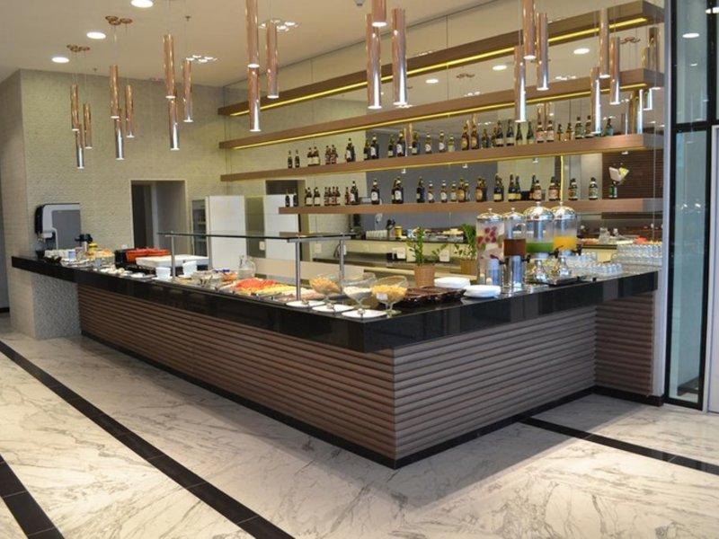 Ramada Rio de Janeiro Recreio Restaurant