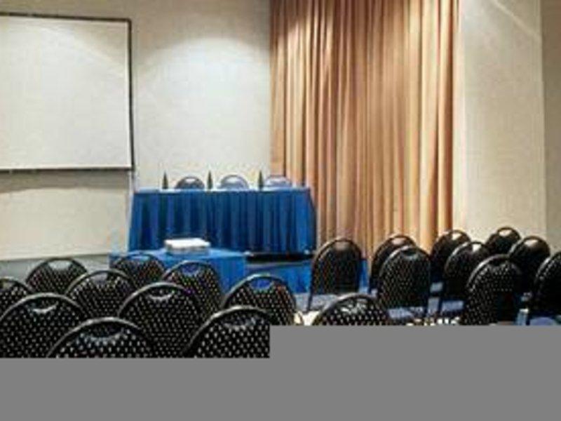 Prodigy Grand Hotel & Suites Berrini Konferenzraum