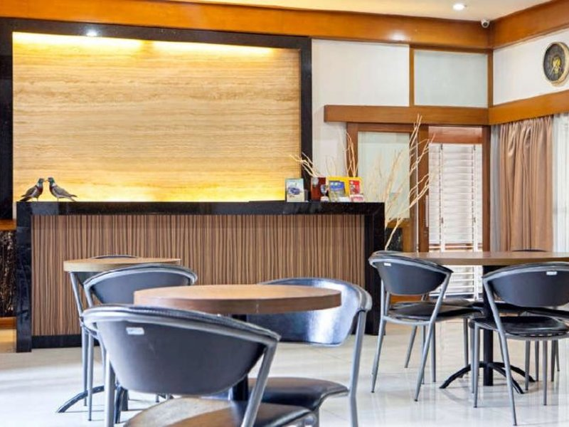 Bee M Guest House Bar