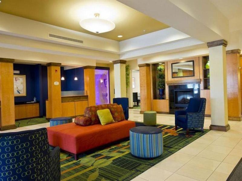 Fairfield Inn & Suites Kansas City Liberty Lounge/Empfang