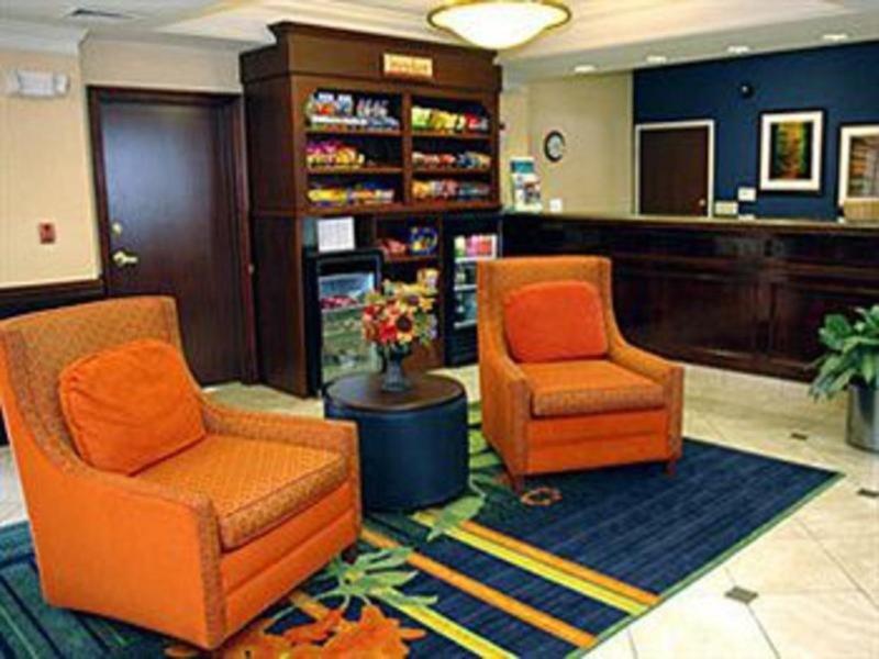 Fairfield Inn & Suites Kansas City Liberty Bar
