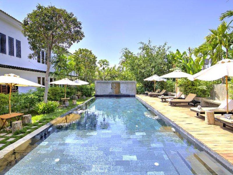 La Residence Blanc D´Angkor Pool