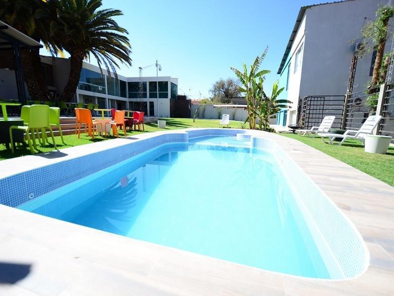 Camino Plaza Pool