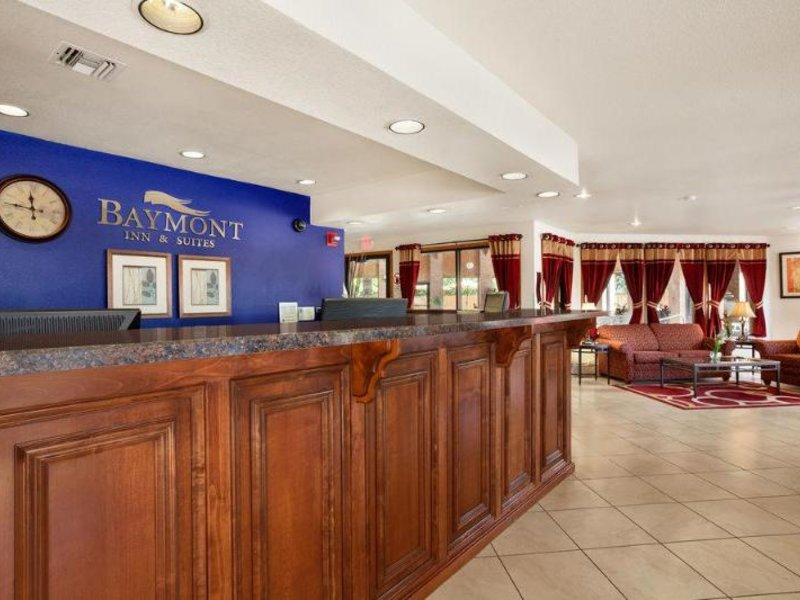 Baymont Inn & Suites Anderson Lounge/Empfang