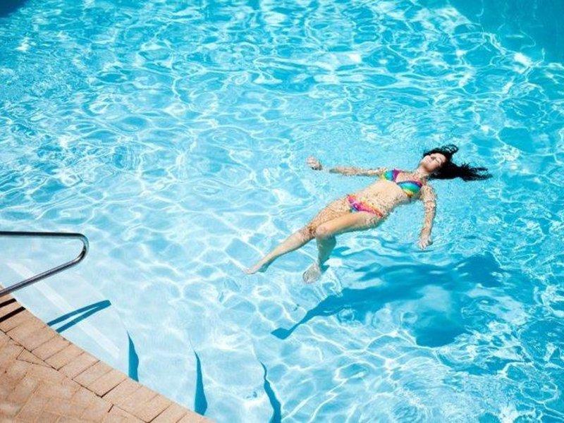 Seashells Scarborough Pool