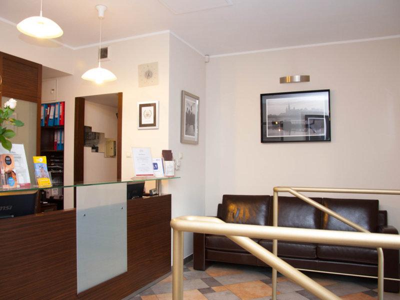 Redbrick Apartotel Lounge/Empfang