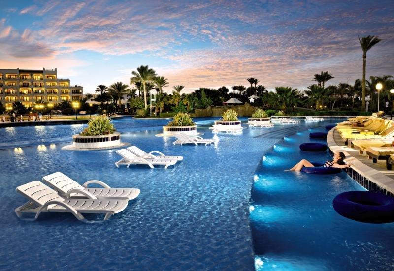 Steigenberger Al Dau Beach Hotel Pool