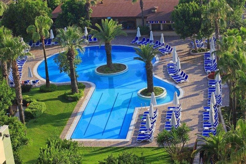 Hotel Grand Side Pool