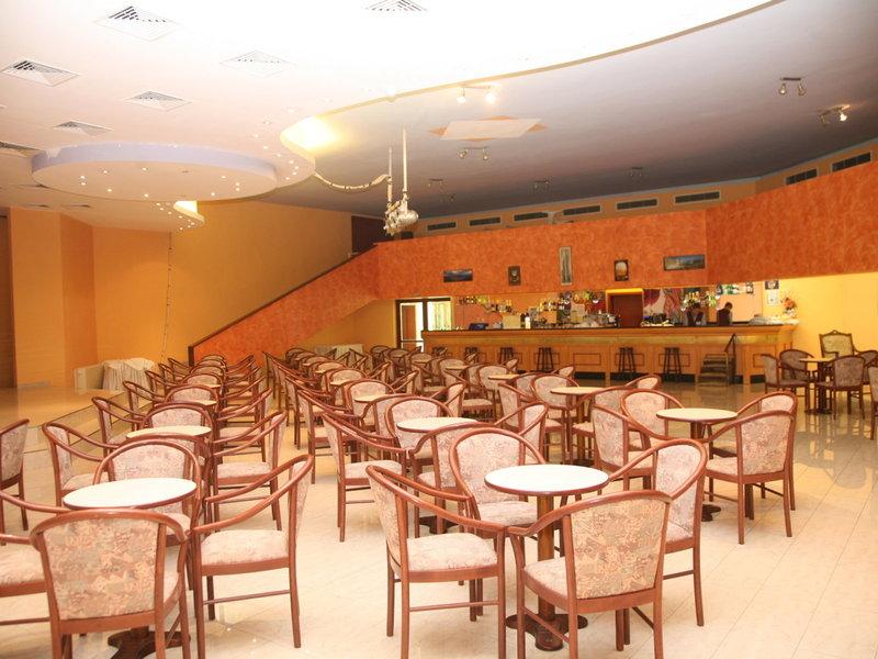 Duni Royal Pelican Resort Restaurant