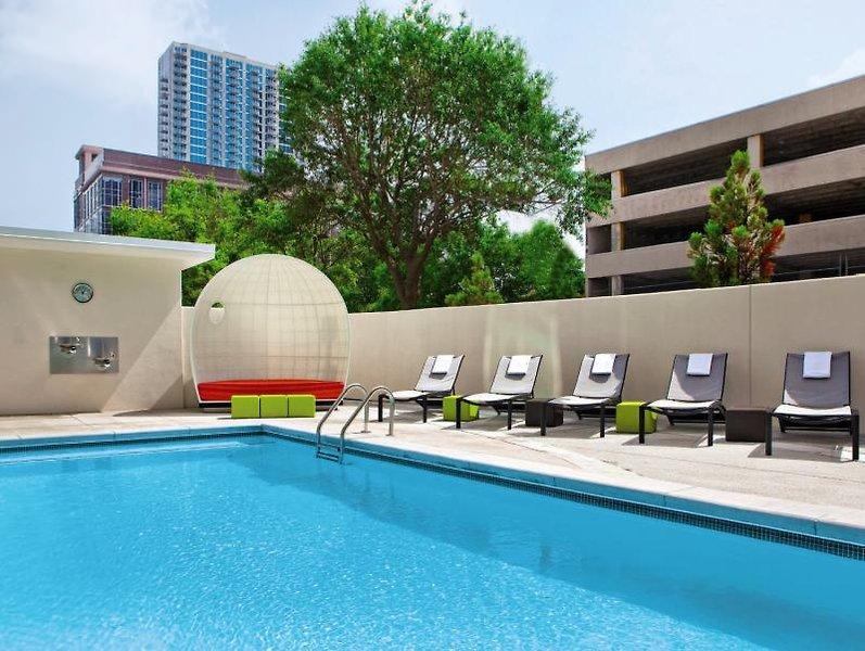 Aloft Atlanta Downtown Pool