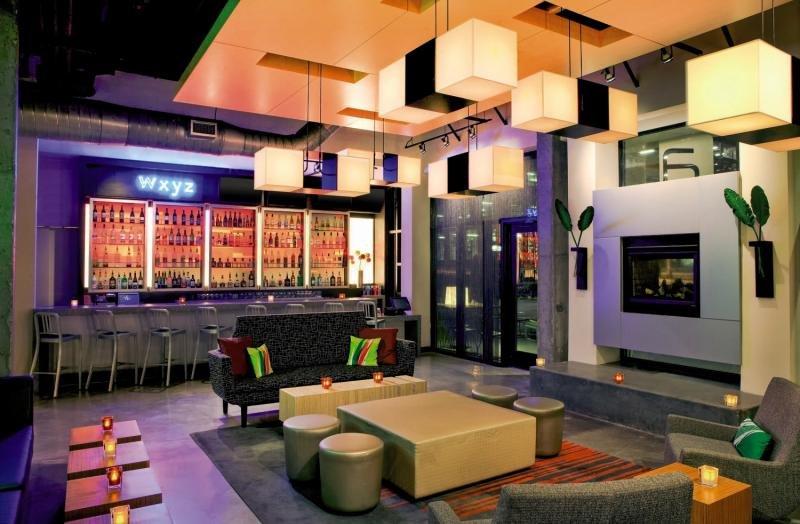 Aloft Atlanta Downtown Bar