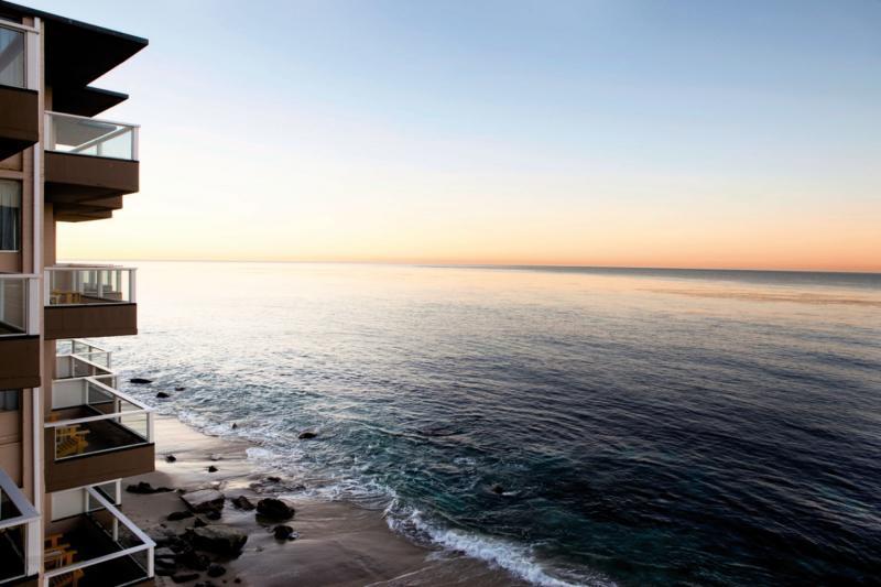 Pacific Edge Strand
