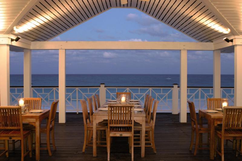 Coral Sands Hotel - Harbour Island Terrasse