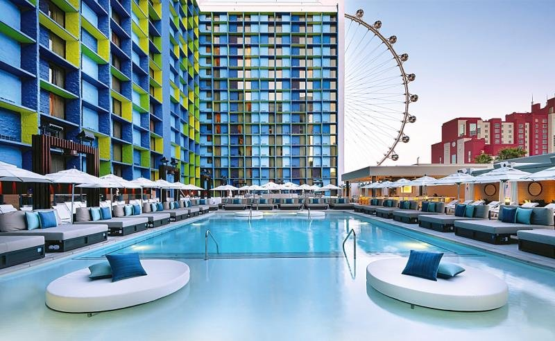 The LINQ Hotel & Casino Pool