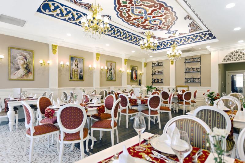Side Royal Palace Hotel & Spa Restaurant