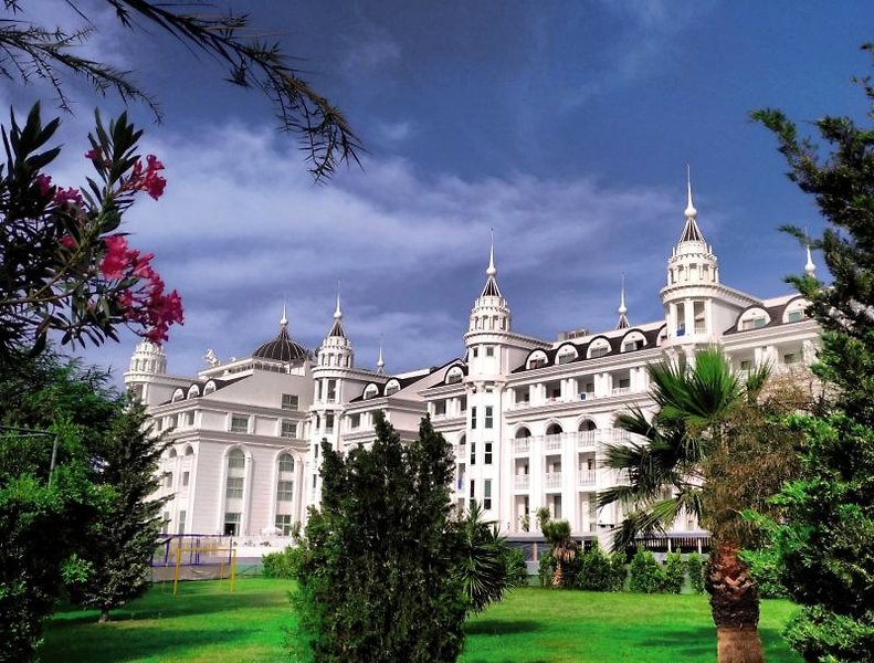Side Royal Palace Hotel & Spa Außenaufnahme
