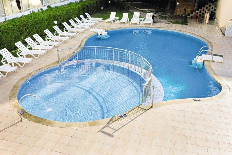 Oasis Hotel Albena Pool