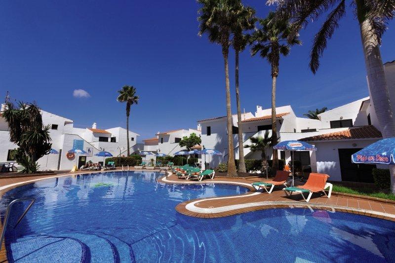 Puerto Caleta Pool