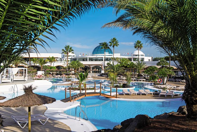 Elba Lanzarote Royal Village Resort Pool