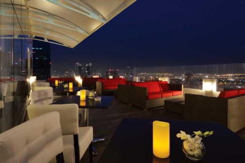 Swiss-Belhotel Seef Bar