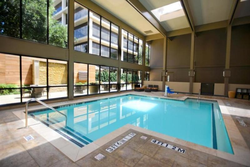 Magnolia Hotel Dallas Park Cities Hallenbad