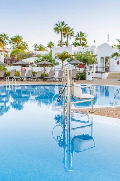 Jardines Del Sol Pool